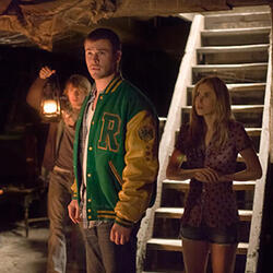 cabin-in-the-woods-movie-image-fran-kranz-chris-hem.jpg